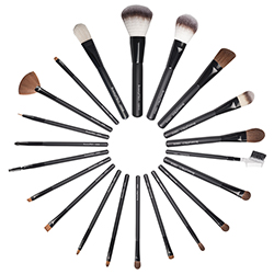 Brushes  Applicators