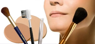 blush brush, kabuki brush, mineral makeup brush